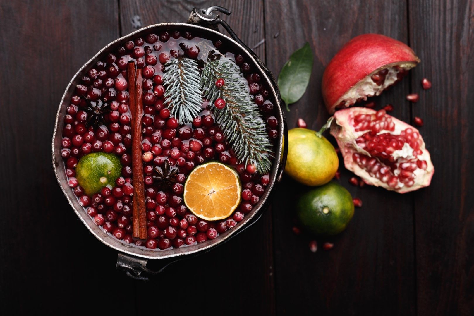 מיץ רימונים בקוקטיילים ופונצ'ים